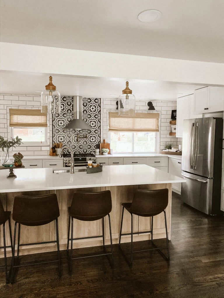 a modern farmhouse kitchen with a timeless design in 2020 modern farmhouse kitchens patterned on kitchen remodel modern farmhouse id=46465