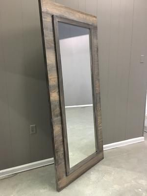 Horizontal Plank Mirrored Door In 2020 Mirror Door Interior Sliding Barn Doors Diy Sliding Barn Door
