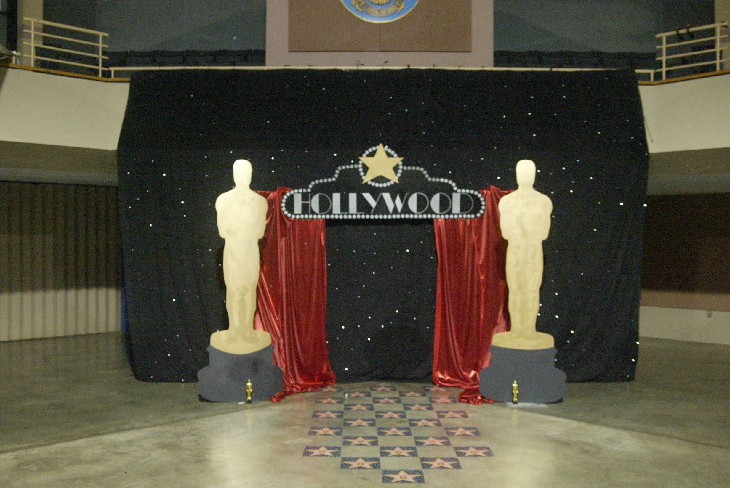 Prom backdrops hollywood google search the star within for Oscar decorations