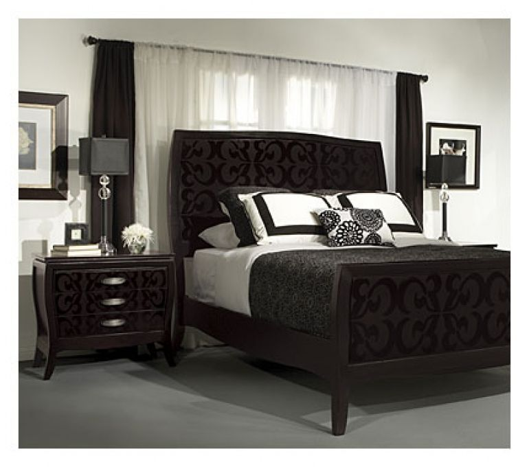 A Bedroom Layout For Beds That Need To Go In Front Of A Window