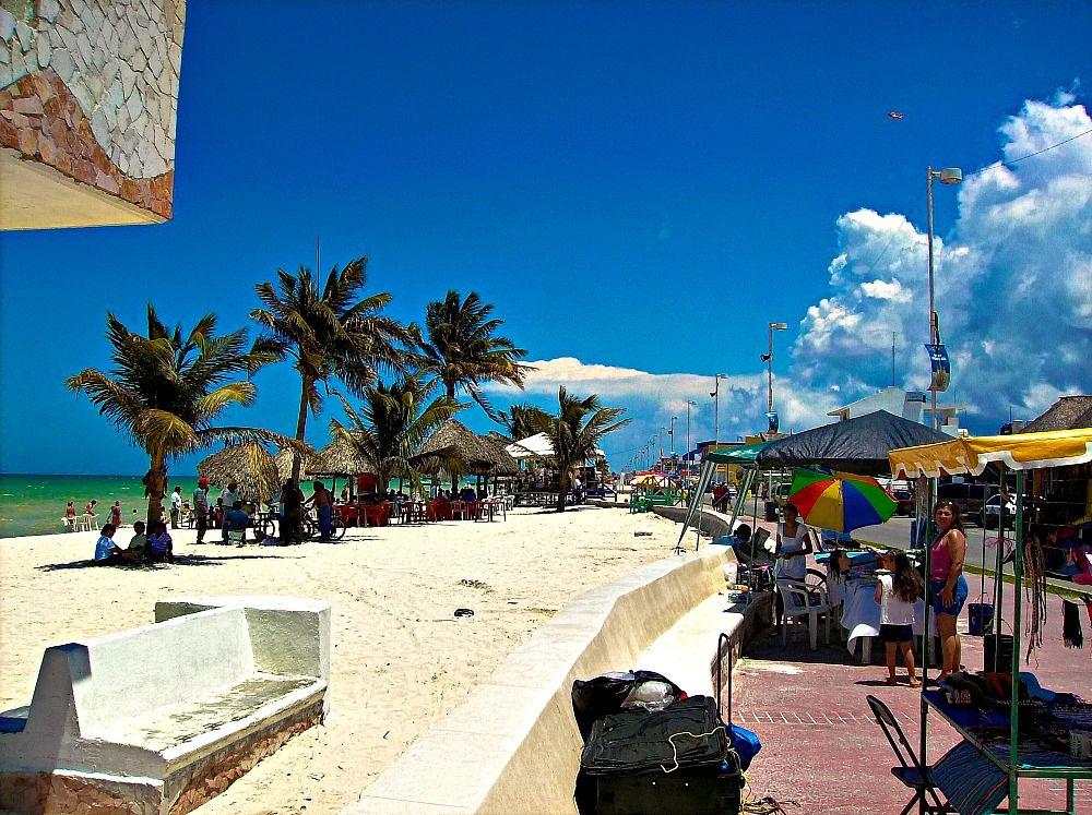 Progreso Yucatan Mexico Seafront Promenade Vendors Progreso Mexico Pinterest Cruises