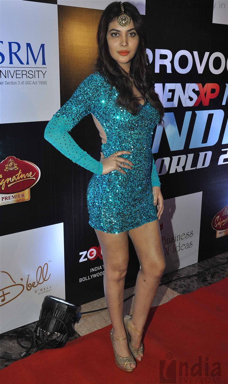Ankita Shorey for http://www.ManishMalhotra.in/ in Mang Tikka over ...