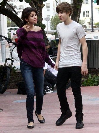 are justin bieber und selena gomez dating Haken-Plätze in Kalgary