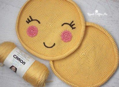 0d9ddf9948b54 Crochet PomPom Sunshine Pillow for the CYC Pompom Party!