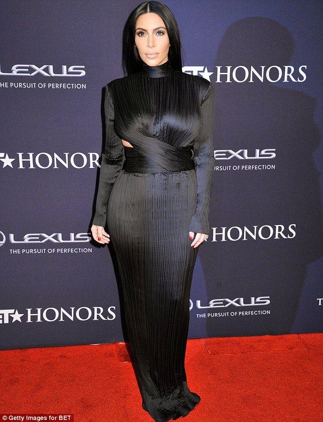 Asombroso Khloe Kardashian Diseñador De Vestidos De Dama De Honor ...