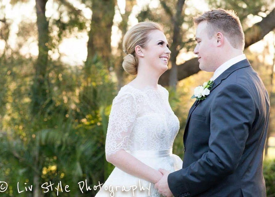 Such a sweet moment :) Throwing back Thursday to Erin & Ben X @livstylephotography @steven_khalil  @oatlandshouse_navarravenues #livstylephotography #instabride #instawedding #photographer #weddingphotography #sydneywedding #bride #bridetobe #candidweddingphotography #sydneywedding #weddingphotographer #stevenkhalil  #bnwphotography #sydneyweddingphotographer #weddingdress #weddingdress #bridesmaids #bouquet #weddingflowers #goldenhour #stevenkhalil by livstylephotography