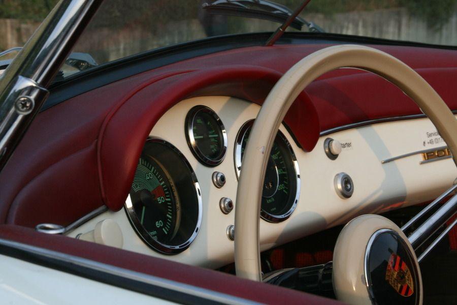 Armaturen Porsche 356 1500 Speedster 1955 an der Mille Miglia 2011