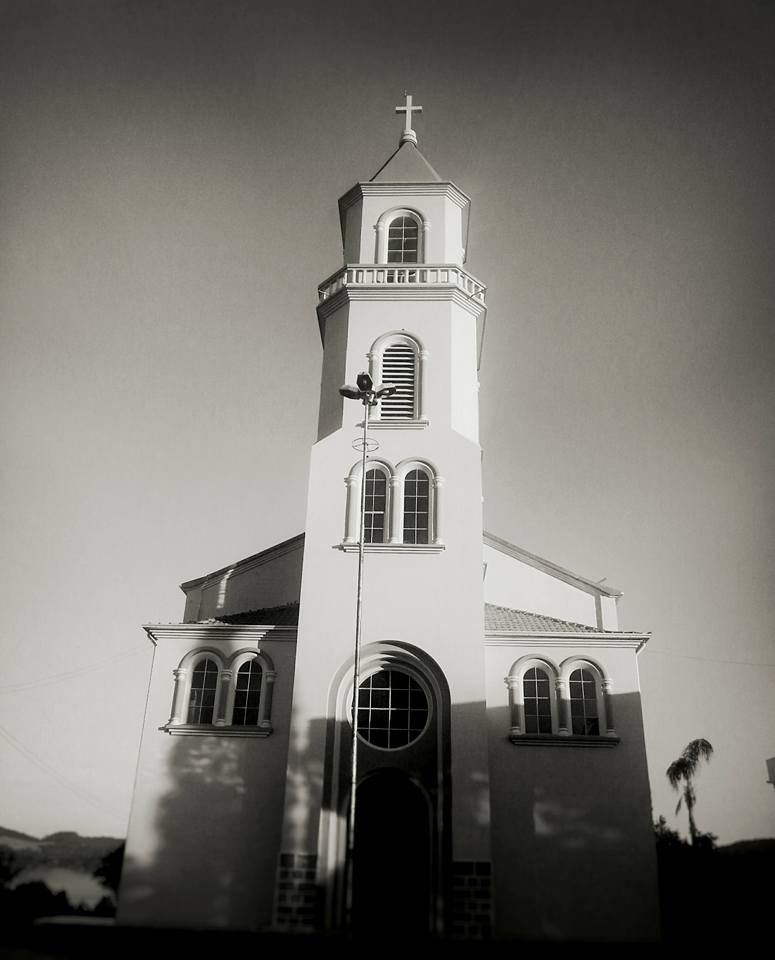 Igreja Nossa Senhora da Paz . Água Doce SC