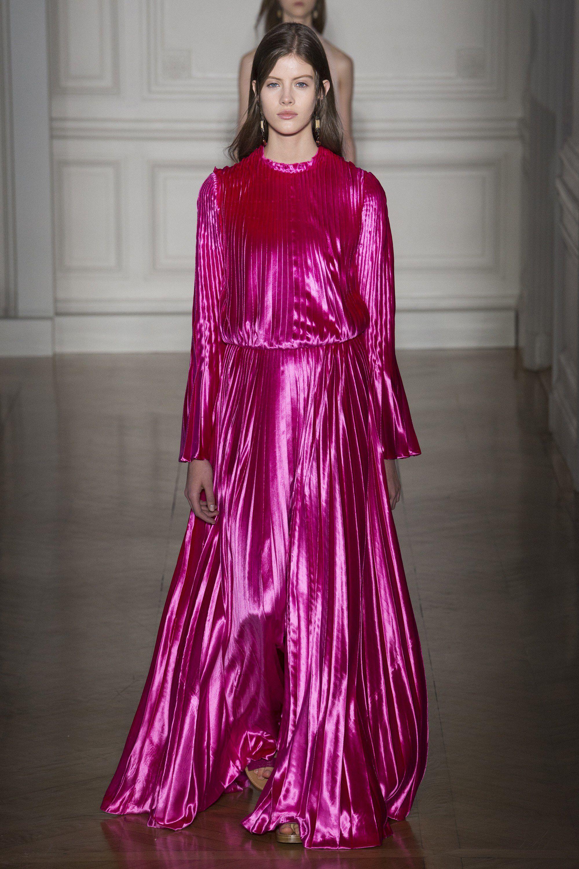 Valentino Spring 2017 Couture Fashion Show   Moda rosada, Fucsia y ...