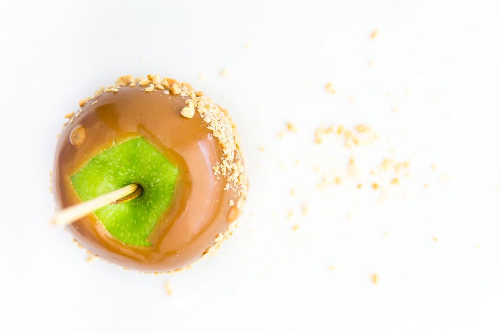 It takes just 30 minutes to make the best caramel apples of your life!