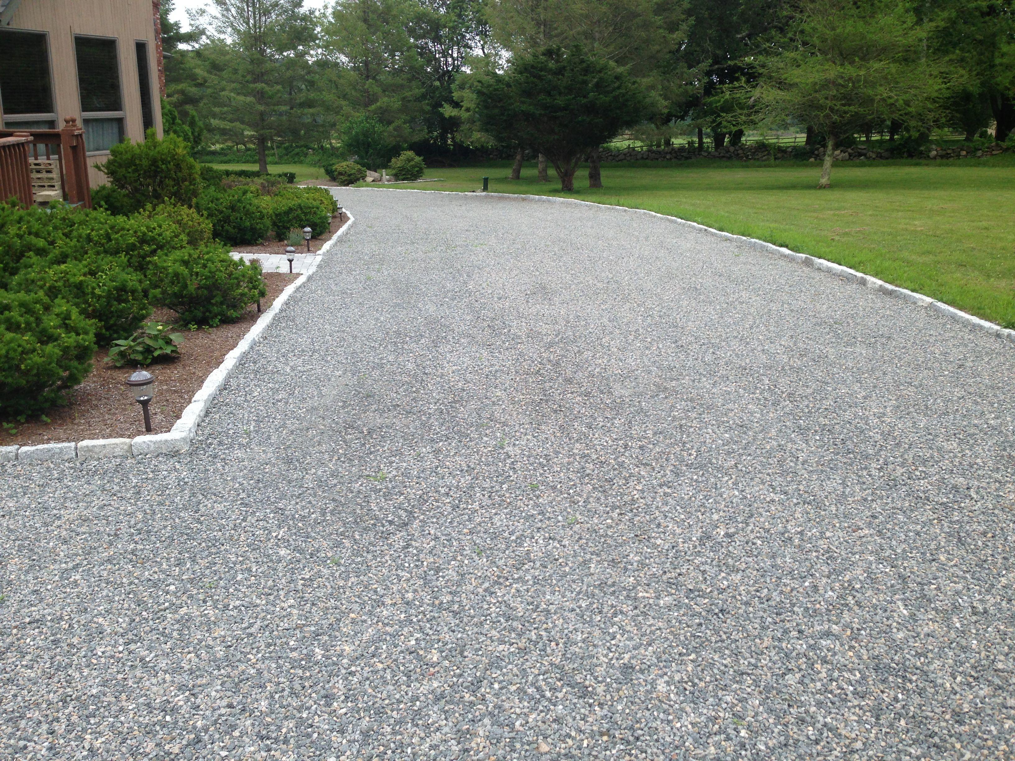 Bluestone Driveway with a cobblestone border