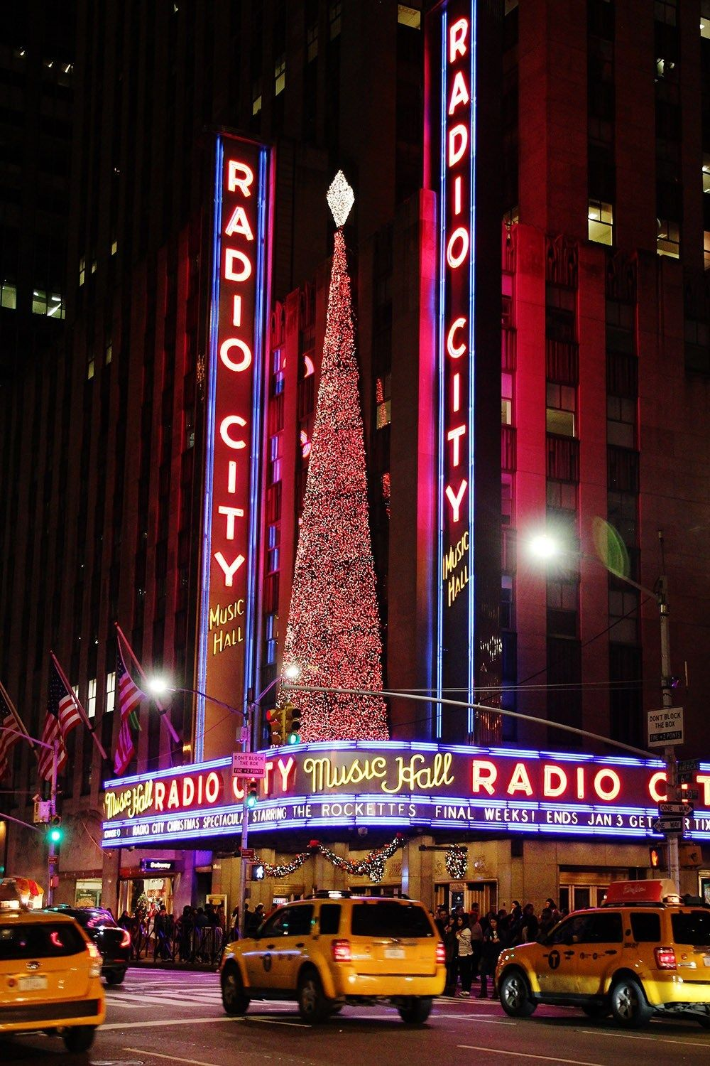 7 ways to have the best ever Christmas in New York City - A Globe Well Travelled