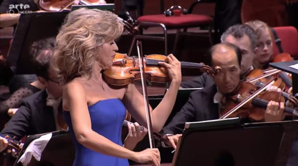 Accompanied by the Royal Concertgebouw Orchestra, German