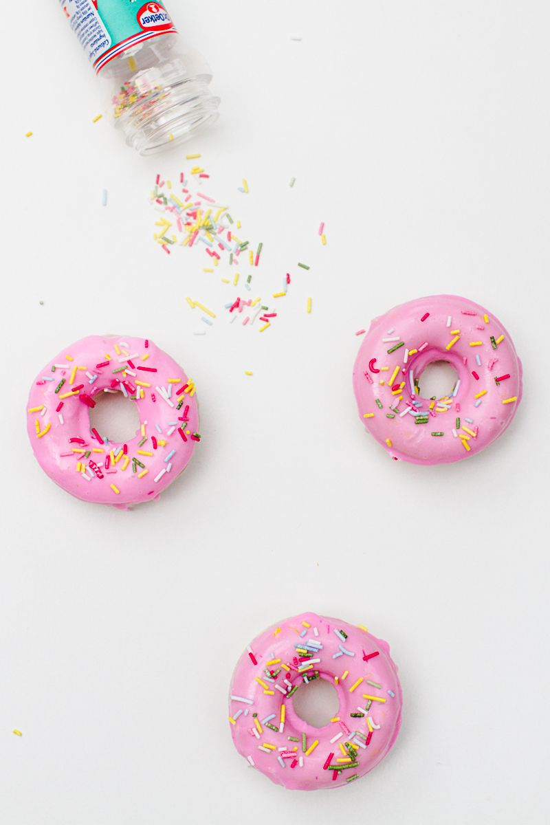 DIY Donut Soap Favours Sprinkles Doughnut Melt and pour-6