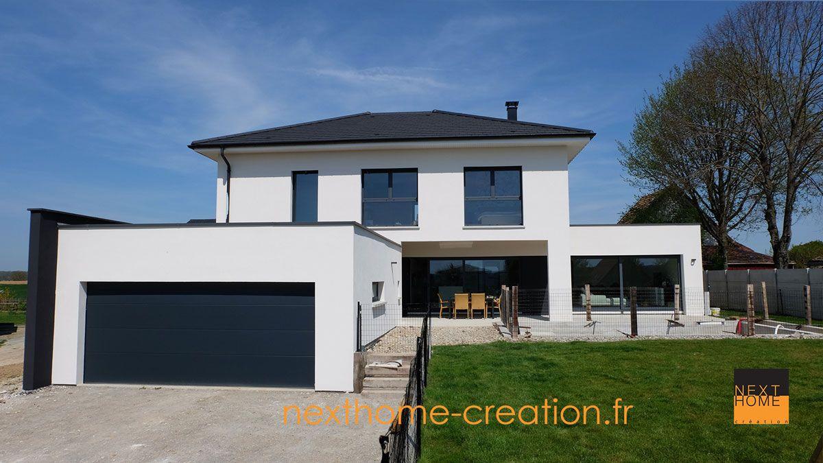 Magnifique Maison 4 pans et garage accolé toit plat ...