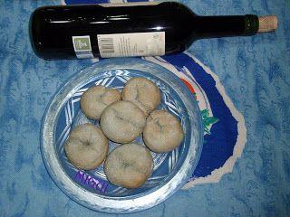 http://lacocinademiguiyfamilia.blogspot.com.es/2011/10/rollitos-de-vino.html