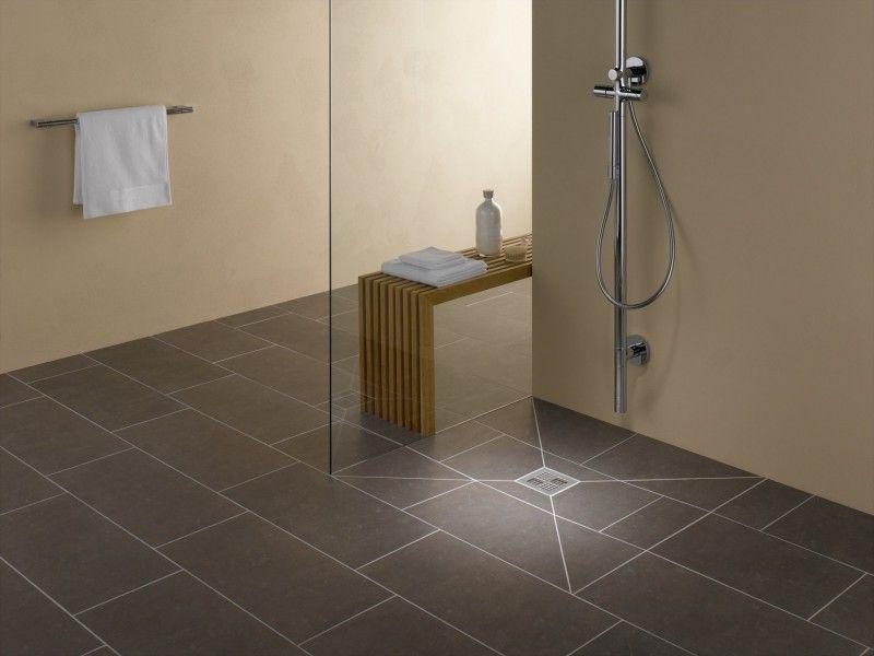 Ebenerdige Duschen sind nicht nur ein Hingucker, sondern auch praktisch und hilfreich
