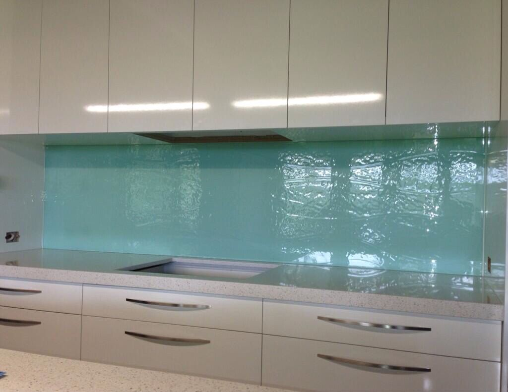 Aqua textured glass Kitchen splashback. #kitchensplashbacks ...