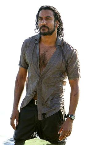 naveen andrews news