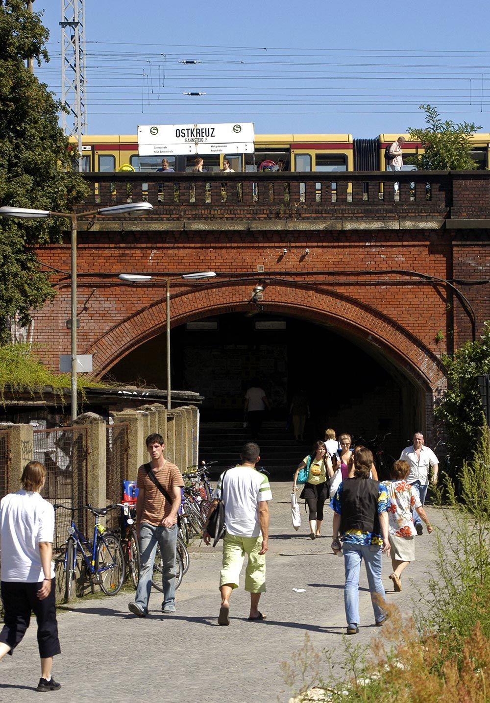 Berlin 2006 am Bahnhof Ostkreuz