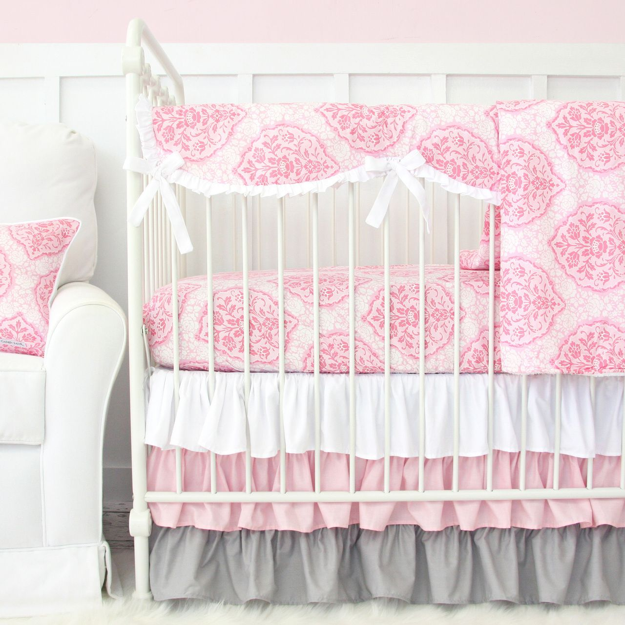 A Clic Pink Gray Crib Bedding Set That S Perfectly Elegant For Any Baby Nursery