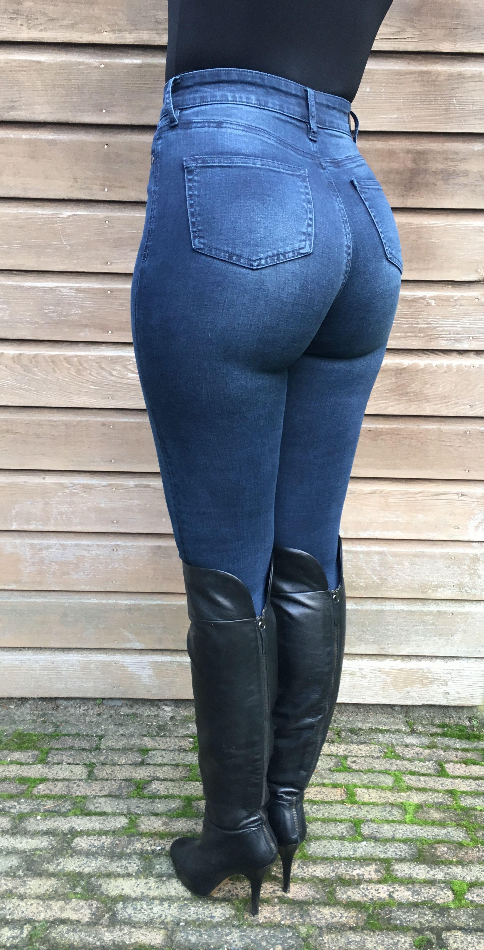 Stephanie Wolf - wearing my tight dark blue jeans   X Jean 2   Jeans ... 1c972ee16c