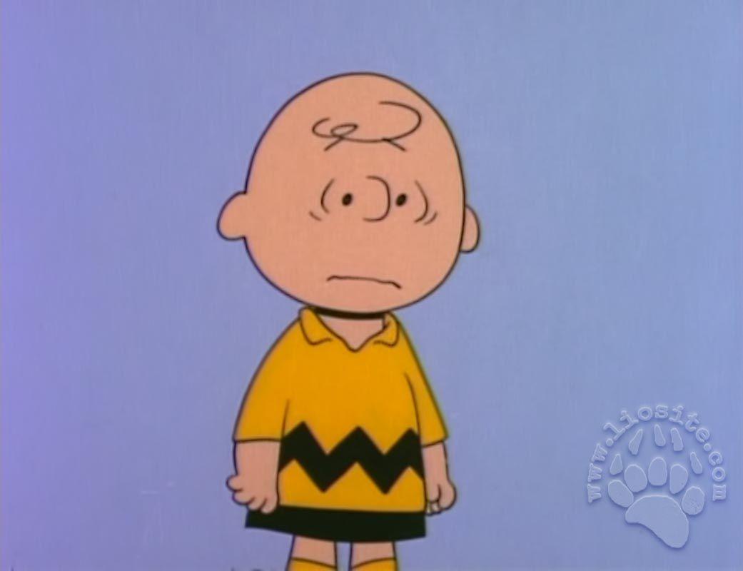 """Siamo con te Charlie Brown ✿◕‿◕✿  ✿♥‿♥✿  """"La sai una cosa? Ieri ero ad un passo dall' essere felice, per un brevissimo istante ho creduto di poter vincere nella gara della vita, però naturalmente non è andata così, mi chiedo perché mi succede sempre, ogni volta che mi sembra che stia andando tutto a posto la vita mi sferra un pugno."""" Charles M. Schulz - Peanuts  #charlesmschultz, #peanuts, #charliebrown, #vita,"""
