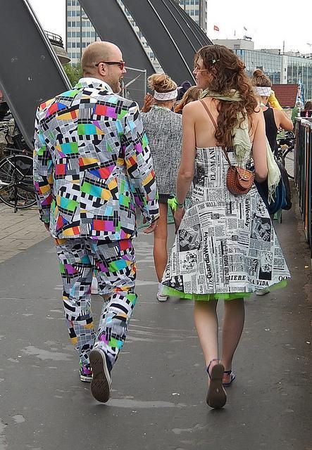 Vestidos hechos con papel de diario - IMujer