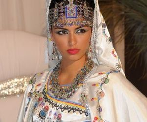 Group of: ALGERIAN BRIDE | We Heart It | Kabylie Wedding ...