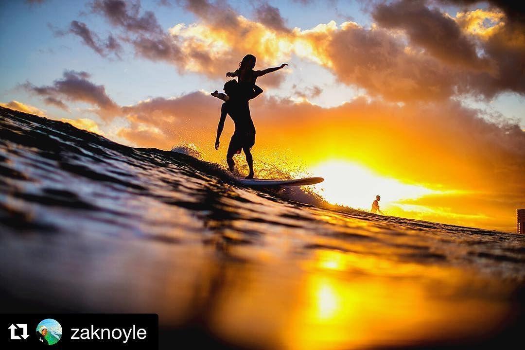 #Repost @zaknoyle  Tandem surfing done in Hawaii. Shot w/ @spl_waterhousing Canon1DX50mmLens. #ZakNoyle