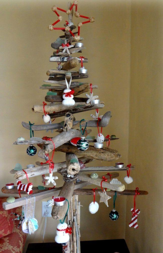 weihnachtsbaum selber basteln treibholz deko rot weiss. Black Bedroom Furniture Sets. Home Design Ideas
