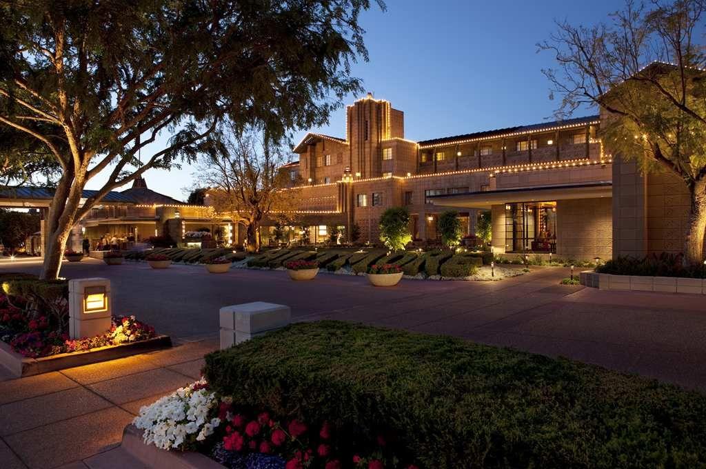 Frank Lloyd Wright Hotel Phoenix Arizona Biltmore A Waldorf Astoria