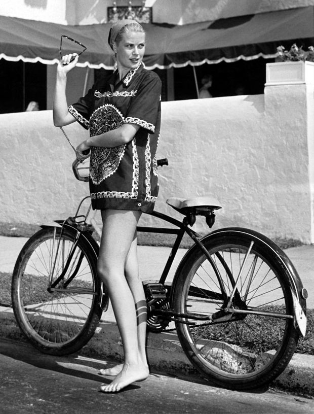 ab42ef509d6d Grace Kelly   Her Bike- Check out her long legs