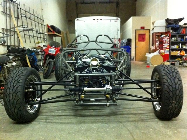 Hot rodding is about more than just a certain kind of vehicle. It is about culture, enthusiasm and passion. And that's exactly what the crew at Palatov Motorsports had in mind when they designed their latest creation- the Stiletto Roadster kit car. Inspired by traditional hot rods, the Stiletto comes with a twist.