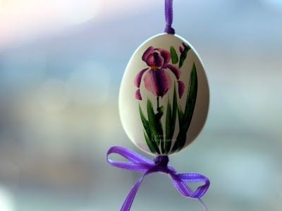 "Painted egg ""Iris""."