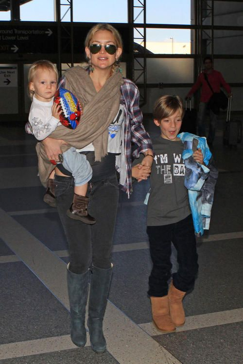 Kate Hudson- her kids look exactly like her | Kate hudson ...