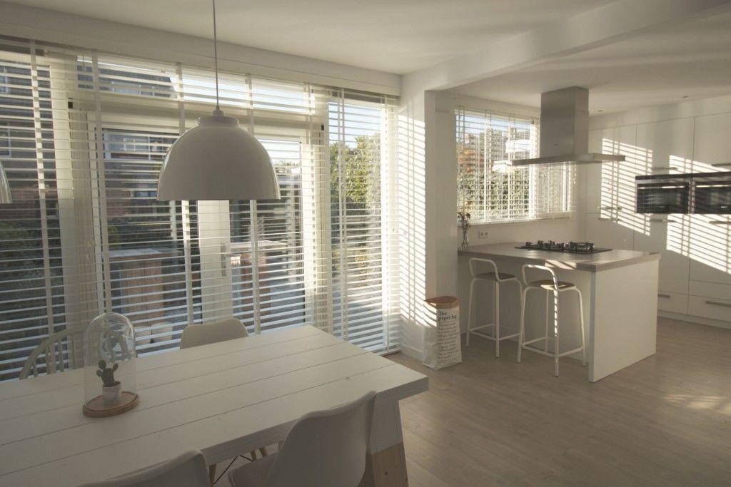 houten jaloezieen wit - Google zoeken - woonkamer | Pinterest ...