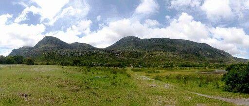 Espinhaço Mountains Serra do Espinhaço (Portuguese) Serra do Espinhaço vista da Lapinha da Serra. Espinhaço Mountains viewed from Lapinha da Serra