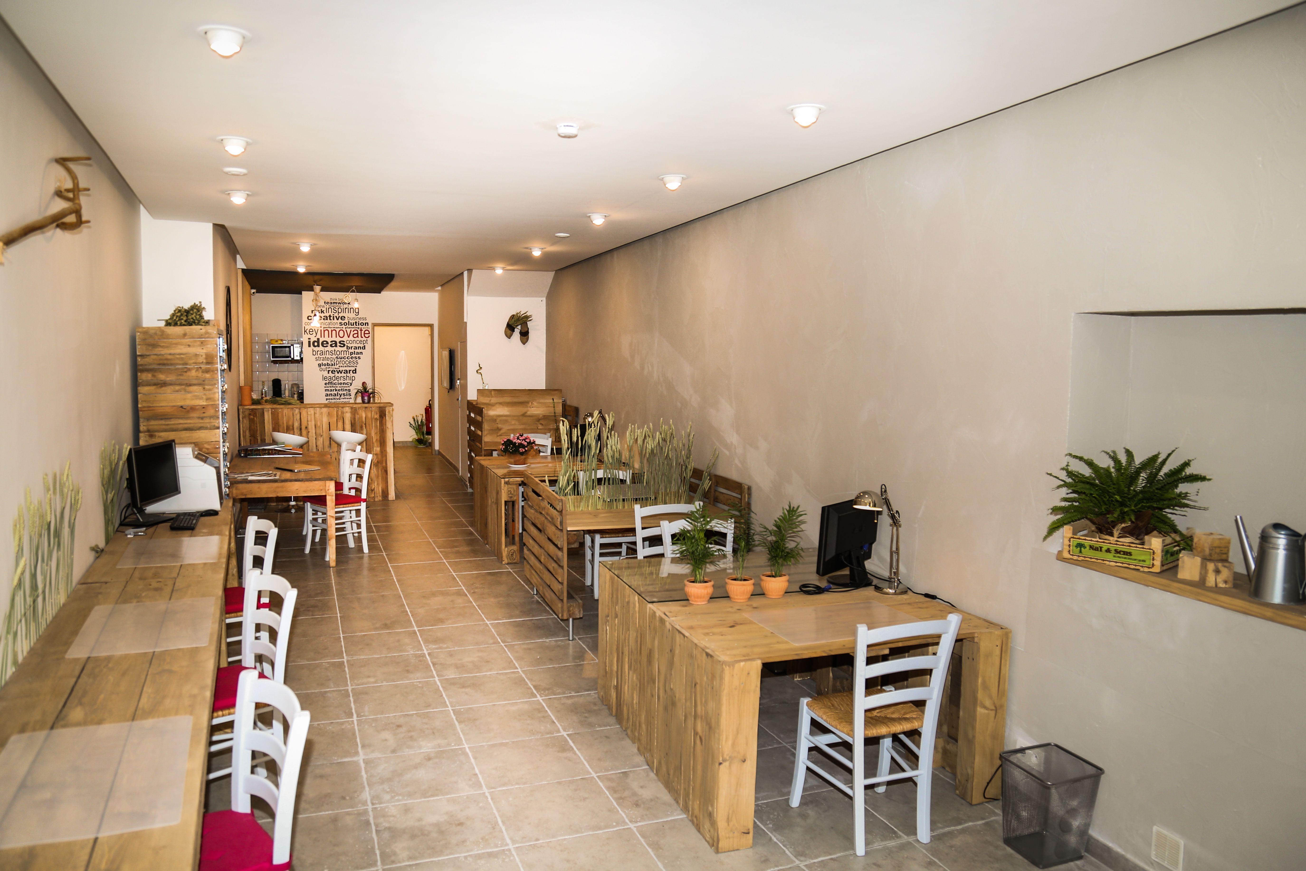 Open space multi bureaux fabriqué en palette et bois de