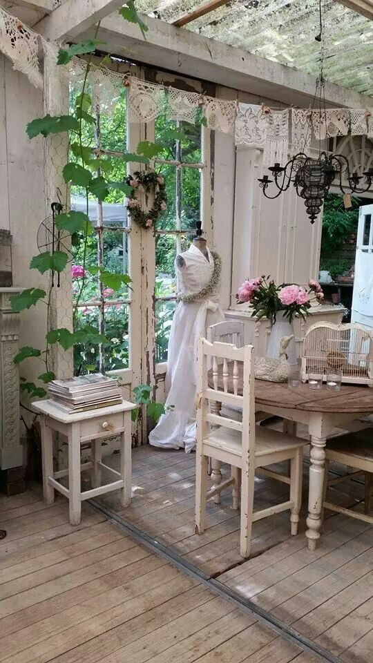 Shabby Platz im Gartenhaus Tricks For Decorating Shabby