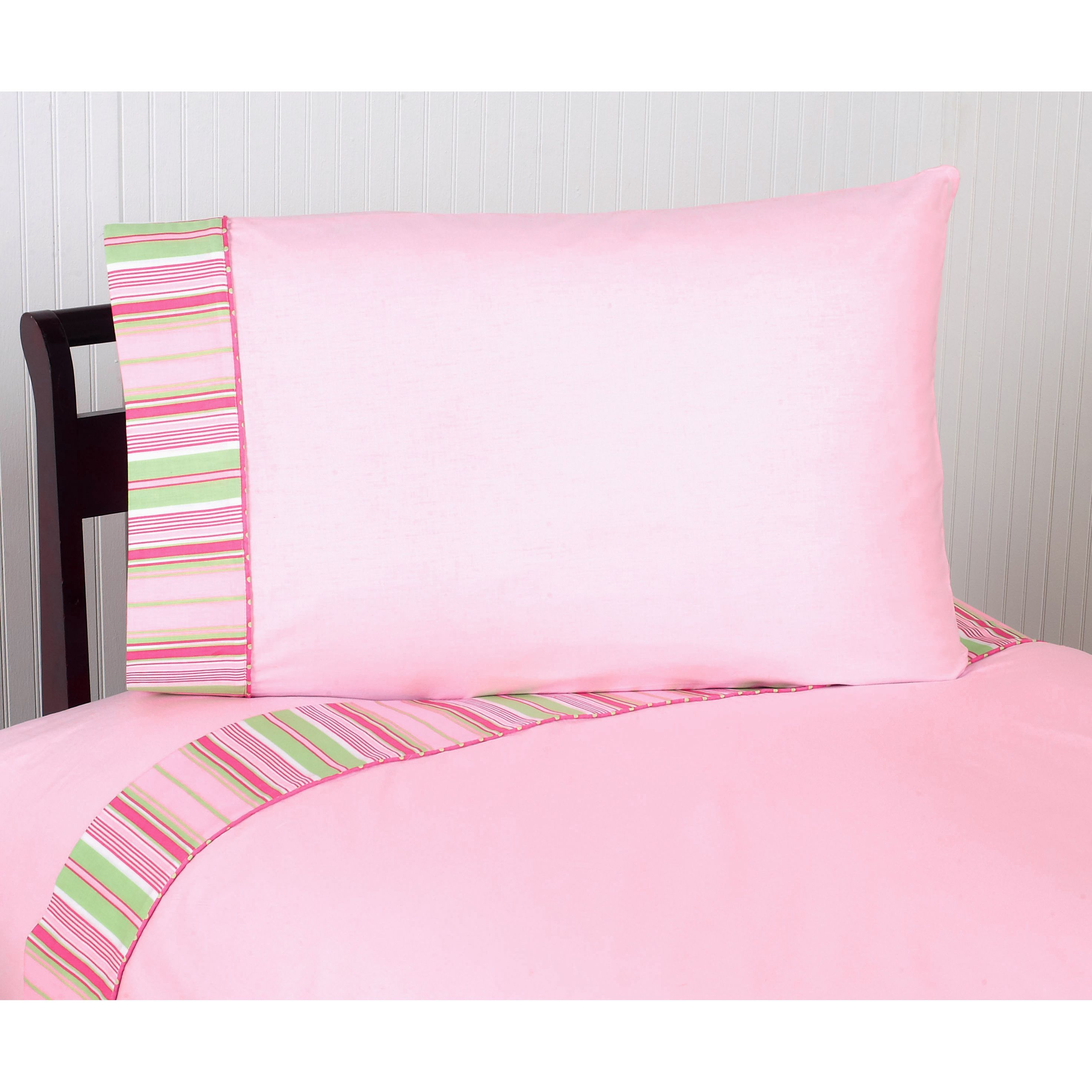Outfit your bed in vivacious color with this 100 percent cotton