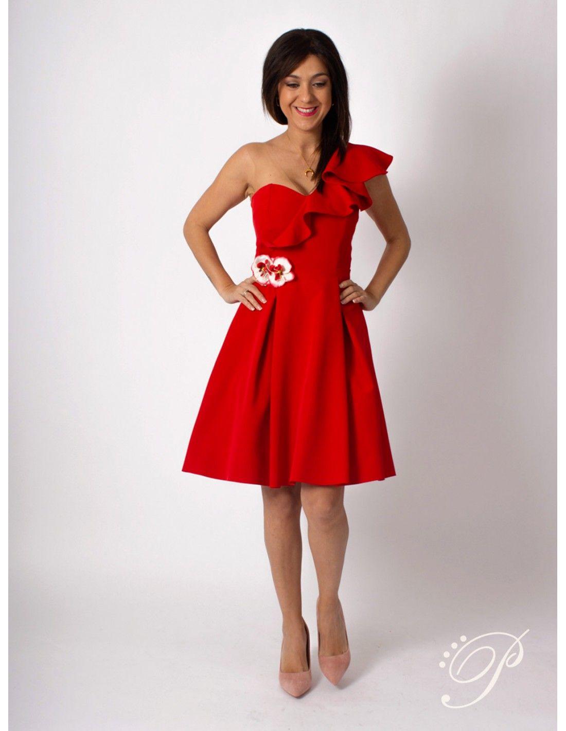 fc120548d4 Vestido Flor - Vestido en color rojo. Escote en pico. Detalle de volante en