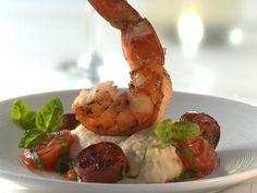 Riesengarnelen auf Püree von weißen Bohnen mit Chorizo und Tomate #shrimpdip
