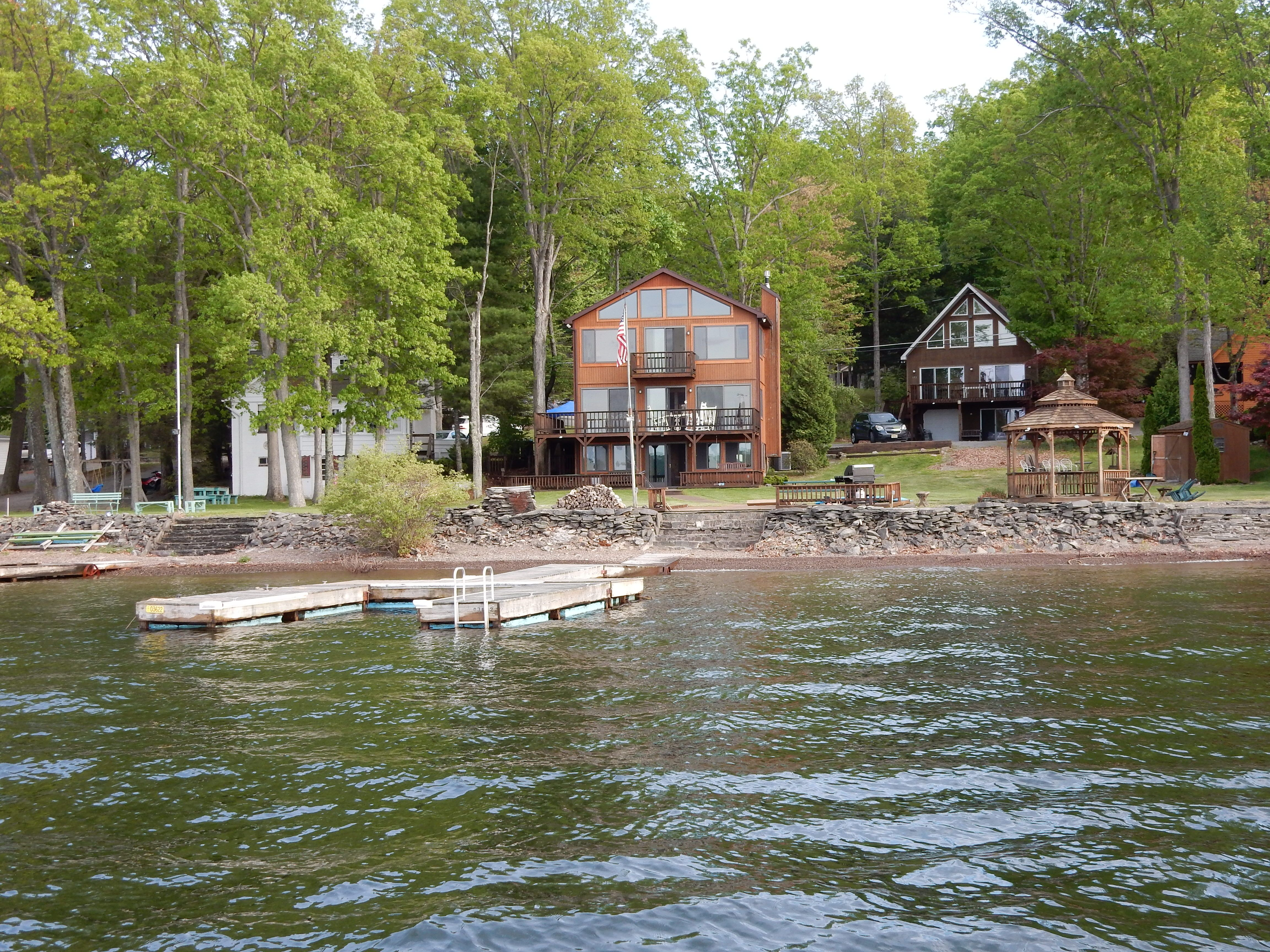 Book these two lakefront houses in lake wallenpaupack pa
