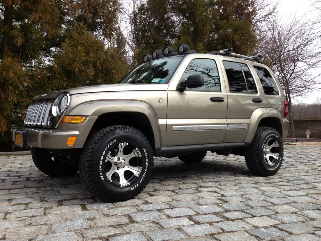 Marvelous 2005 Jeep Liberty Limited CRD   TURBO DIESEL   Lifted