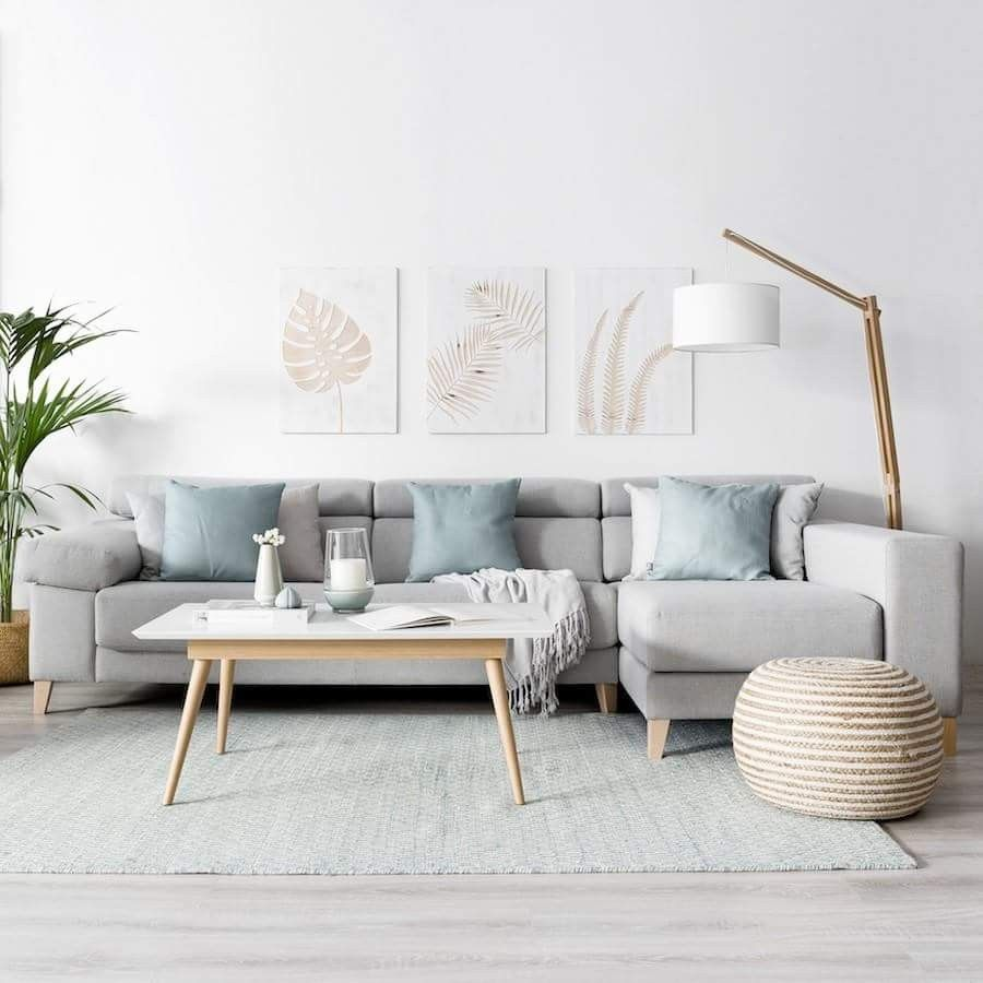 Phenomenal This Room Is Easy To Look At Soft Colors And Simple Design Home Interior And Landscaping Ologienasavecom