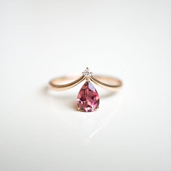 Solid 18k Gold V Shape Pink Tourmaline Diamond Ring Rose Gold