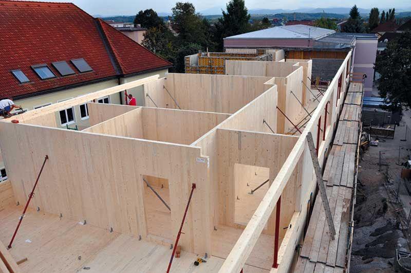 Construcción de un edificio empleando estructura de paneles de ...