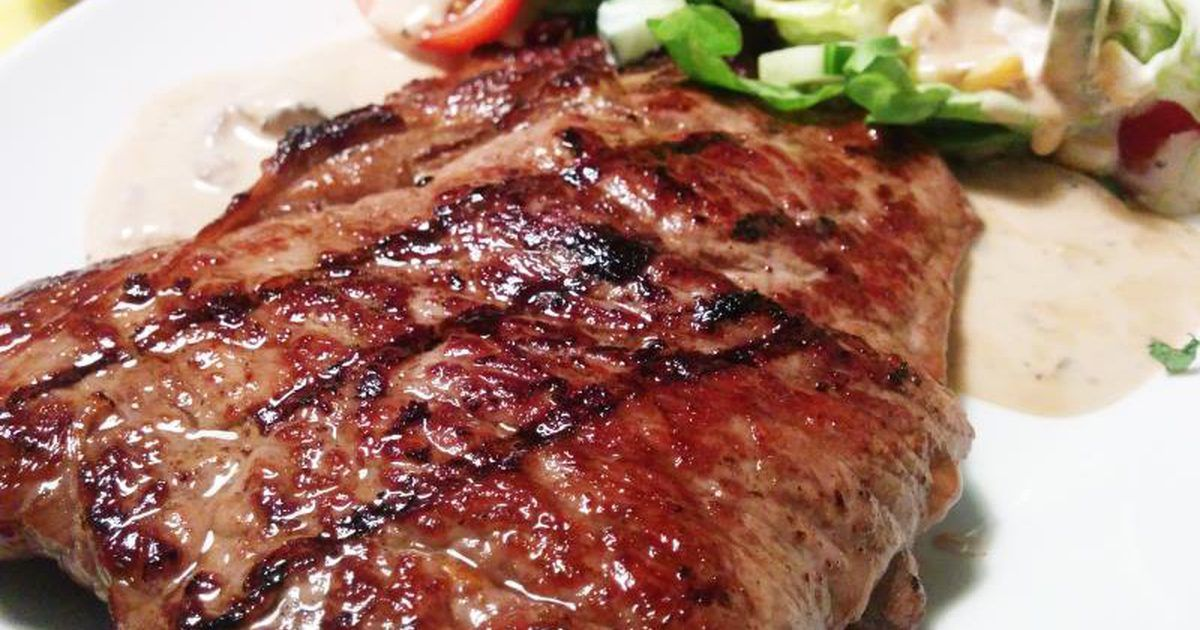 How to Cook a Rib-eye Steak on the Griddle   Cooking a ...