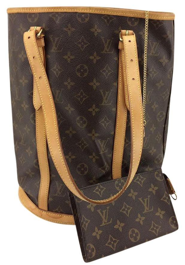 5ffeaa64c327 Get one of the hottest styles of the season! The Louis Vuitton Bucket Gm  And Pochette Shoulder Bag is a top 10 member favorite on Tradesy.
